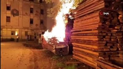 mobilya -  5 ayrı yerde aynı anda yangın; kundaklama iddiası