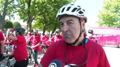masa tenisi - İSTANBUL - 19 Mayıs Atatürk'ü Anma, Gençlik ve Spor Bayramının 102. yılında 102 bisikletli pedal çevirdi