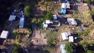 BİLECİK - Mevsimlik tarım işçilerine, kaldıkları çadırlarda 'Kovid-19' aşıları yapılıyor