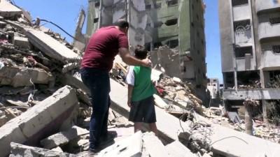 GAZZE - Filistinli gazeteci, İsrail'in Gazze'ye her iki saldırısında da evlerinden oldu