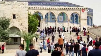 kalaba -  - İsrail polisi, Mescid- Aksa'da Filistinlilere saldırdı