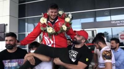 milli guresci - KAHRAMANMARAŞ - Avrupa şampiyonu güreşçi Anıl Berkan Kılıçsallayan memleketinde coşkuyla karşılandı