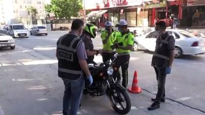 arac kullanmak - HATAY - 300 polisle gerçekleştirilen asayiş uygulamasında 4 şüpheli yakalandı