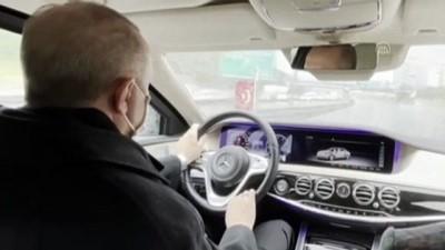 makam araci - İSTANBUL - Cumhurbaşkanlığı İletişim Başkanı Altun, Cumhurbaşkanı Erdoğan'ın otomobil kullandığı görüntüleri paylaştı