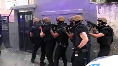 ozel harekat polisleri - Adana merkezli 3 ilde PKK/KCK soruşturmasında gözaltı kararı verilen 20 şüphelinin yakalanması için operasyon.