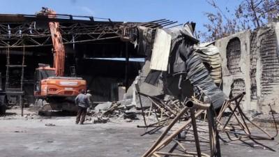 roketli saldiri - GAZZE - İsrail'in vurduğu Gazze'deki sünger fabrikasında 3 milyon dolarlık hasar oluştu