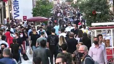 kalaba -  İstiklal Caddesinde 'iğne atsan yere düşmeyecek' dedirten yoğunluk