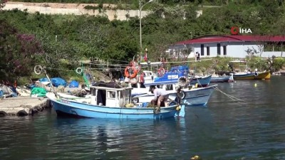 av yasagi -  Ordulu balıkçılar sezon sonrası ağ mesaisinde