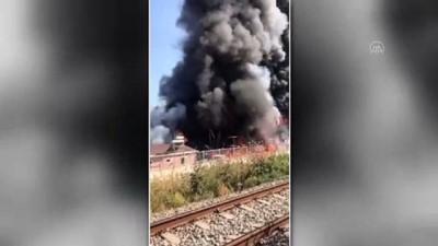 soguk hava deposu - AYDIN - Soğuk hava deposunda çıkan yangında 2 kişi dumandan etkilendi Videosu