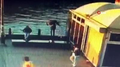 katil zanlisi -  İstanbul göbeğinde korkunç cinayet kamerada: Sahilde oturan adamı yan baktın diyerek denize attı