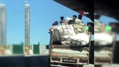 tehlikeli yolculuk -  Kadıköy'de kamyonet kasasındaki tehlikeli yolculuk kamerada