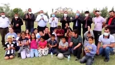 futbol maci -  Vali Aydoğdu ve protokol çocuklarla futbol maçı yaptı