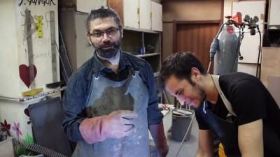 sanat eseri -  Her atık çöp değil, metali sanata çeviren 'Demir Adam'