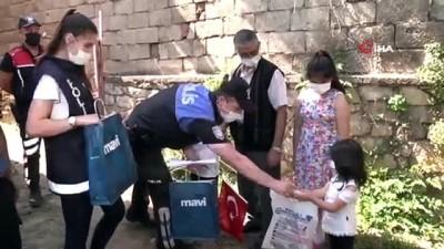 yardim cagrisi -  Polis ekipleri minik Eymen'in korkusunu yenmesi için seferber oldu