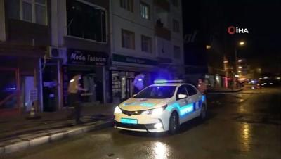 ehliyetsiz surucu -  Kırıkkale'de bir kişi ayağından vuruldu, kaçan araçta uyuşturucu ele geçirildi