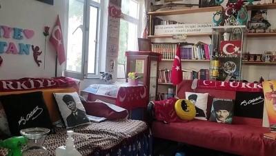 engelli kiz - MUĞLA - Atatürk'e sevgilerini evlerinin odalarında sergiledikleri posterlerle yaşatıyorlar