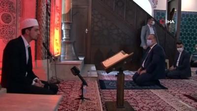 kabristan -  İstanbul'un fethi Bursa'da 568 Fetih suresiyle kutlandı