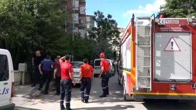 kiz kardes - KIRIKKALE - Oğlunun arkadaşıyla bıçaklı kavgasını ayırmak isteyen anne ve kızı yaralandı