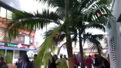 - Kolombiya'da hükümet karşıtı protestoların 1. ayında sokaklar karıştı: 4 ölü - Cali'de sokağa çıkma yasağı ilan edildi