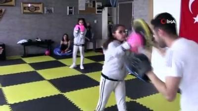 kiz kardes - Kick boksçu ikizler, kadına şiddete böyle dikkat çekiyor