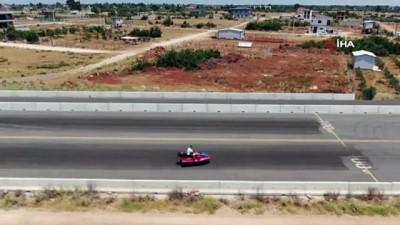 kapali alan -  Antalyalı çılgın iş adamı, bu kez modifiye ettiği jet ski ile karada hız yaptı