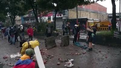 catisma - BOGOTA - Hükümet karşıtı gösterilere polis müdahalesi