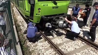 psikoloji -   Bursa metrosunda korku dolu anlar... Şehrin metro hattını yarım saat kilitledi