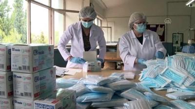 İZMİR - Cerrahi maske üreten meslek lisesi, günlük 100 bin adetlik kapasiteye ulaştı
