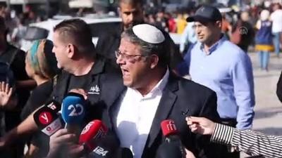 KUDÜS - İsrail polisi, provokasyonda bulunan aşırı sağcı milletvekiline tepki gösteren Filistinlilere müdahalede bulundu
