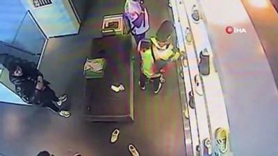 Lüks ayakkabı mağazasında şok eden olay