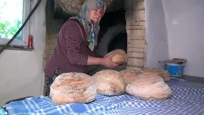 halk pazari - SAKARYA - Ailesi için taş fırında pişirdiği köy ekmekleri gelir kaynağı oldu