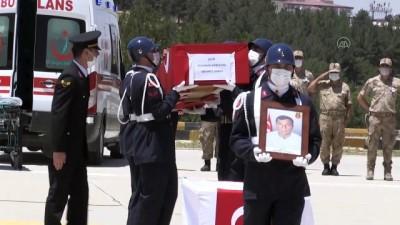 teroristler - SİİRT - PKK'lı teröristlerin saldırısı sonucu şehit olan güvenlik korucusu için tören düzenlendi
