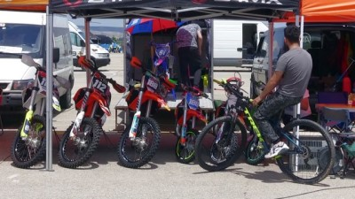 AFYONKARAHİSAR - Motokros şampiyonalarında yarışacak sporcular Afyonkarahisar'a gelmeye başladı