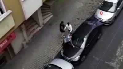 Hamile karısını sokak ortasında böyle dövdü