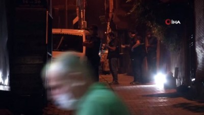 polis araci -  Polise saldıran 3 kişi yakalandı