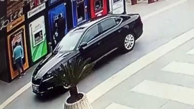 makam araci - TRABZON - Yomra Belediye Başkanı Bıyık'a silahlı saldırı girişimi (1)