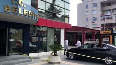makam araci - TRABZON - Yomra Belediye Başkanı Mustafa Bıyık'a silahlı saldırı (4)