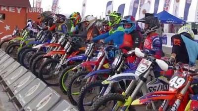 AFYONKARAHİSAR - Motokros şampiyonalarının final yarışları tamamlandı