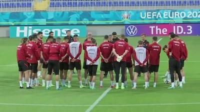 BAKÜ - A Milli Futbol Takımı, Bakü'deki ilk çalışmasını yaptı