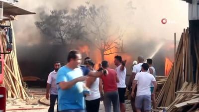 itfaiye eri -  Fethiye'de marangoz atölyesi alev alev yandı