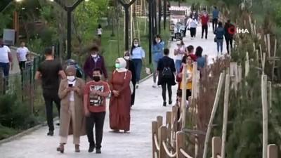 800 yıllık tarihi Murat Köprüsü binlerce turiste ev sahipliği yapıyor