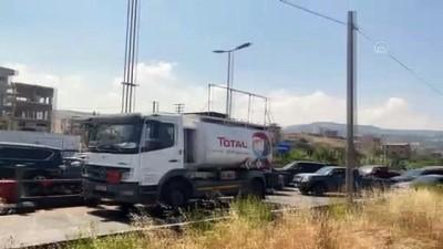 benzin - BEYRUT - Ekonomik krizdeki Lübnan'da sürücüler, benzin için uzun kuyruklar oluşturdu