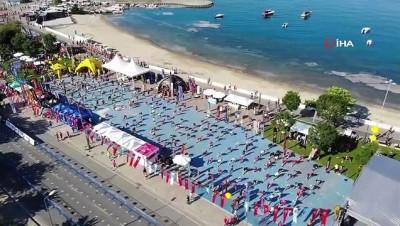 Kadıköy'de Amazfit Cadde 10K koşusu heyecanı başladı