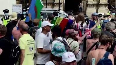 ingiltere - LONDRA - Kovid-19 tedbirlerinin tamamen kaldırılması kararının 4 hafta ertelenmesi protesto edildi