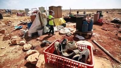 RAMALLAH - İsrail askerleri Batı Şeria'da Filistinli bedevilerin evlerini yıktı