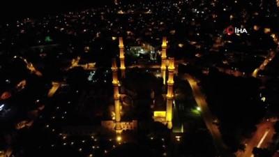 efes -  'Selimiye Camii' üzerinde martıların görsel şöleni