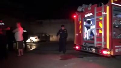 efes -  Bursa'da park halindeki otomobil alevlere teslim oldu