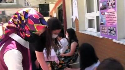 ilkokul ogrencisi -  - Minik yazarlar imza günü düzenledi