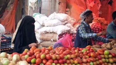 catisma - TAİZ - Dünyanın en büyük insani felaketinin yaşandığı Yemen'de riyaldeki değer kaybı yoksulluğu daha da derinleştirdi