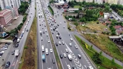 aritas -  - Anadolu yakasında sağanak yağış trafiğe neden oldu